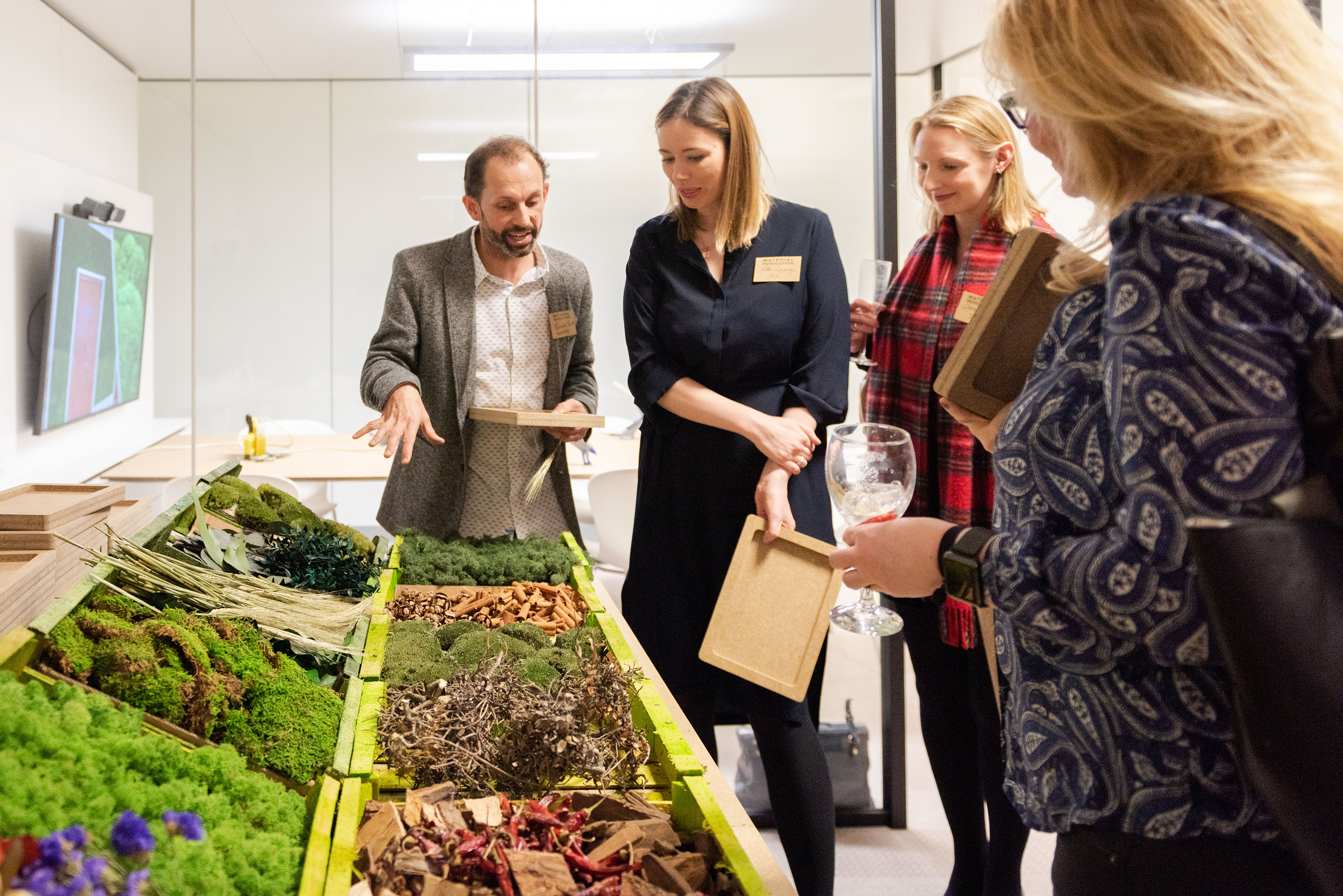 Richard from Innerspace Cheshire giving moss workshop guidance